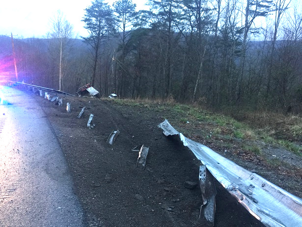 Dunlap News - Two survive horrific tractor-trailer wreck on Cagle